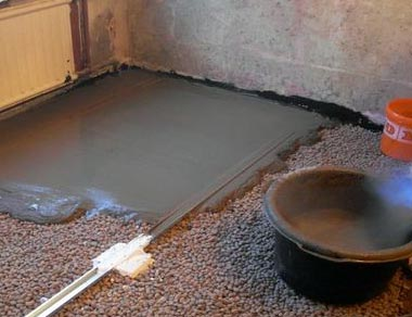 Заливаем пол бетоном