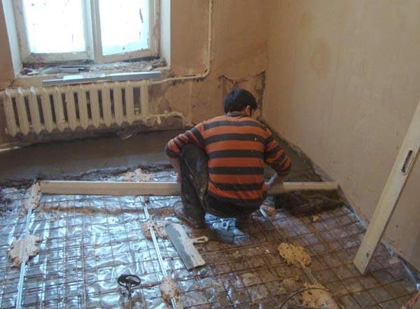 Как происходит укладка бетонного пола