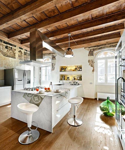 Какую отделку выбрать для кухни в загородный дом