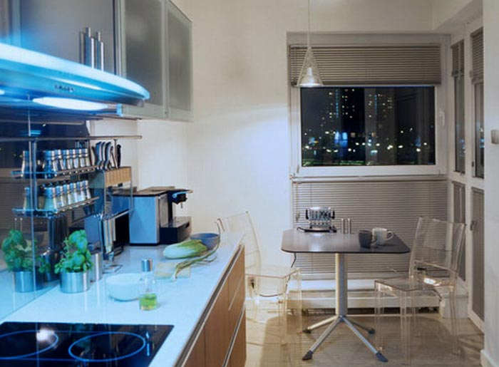 Минимум декора в дизайне маленькой кухни