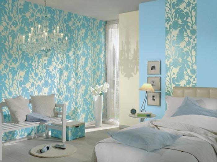 В дизайне спальни используются голубые тона, которые способствуют хорошему сну