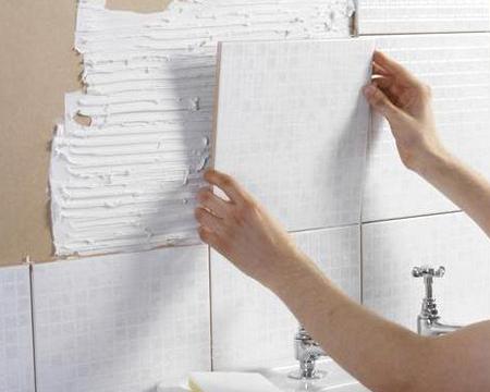 Как положить плитку в ванную комнату
