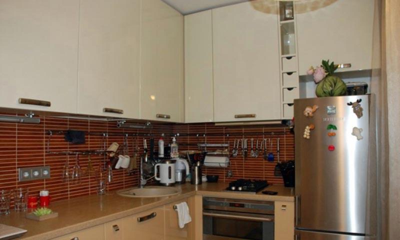 Розетки в проекте кухни квартиры должны быть на 80см от пола