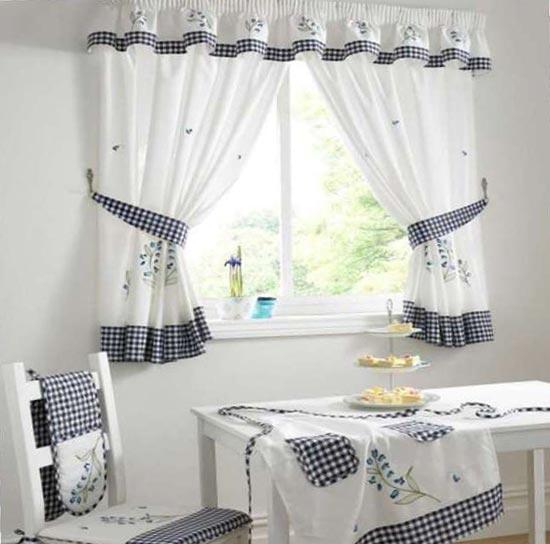 Подбираем шторы под цвет скатерти на кухне