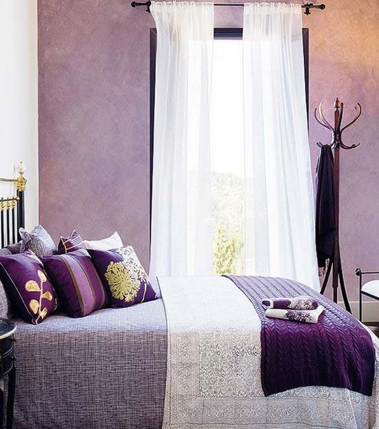 Интерьер маленькой спальной комнаты