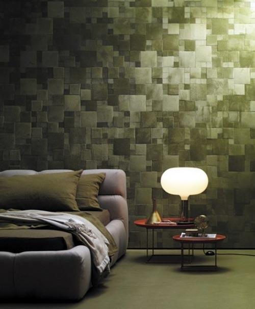 Дизайн спальни с тканью на стенах