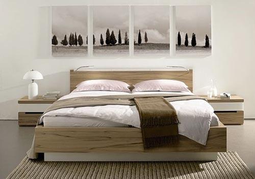 Дизайн интерьера спальни из натуральных материалов с панорамной картиной