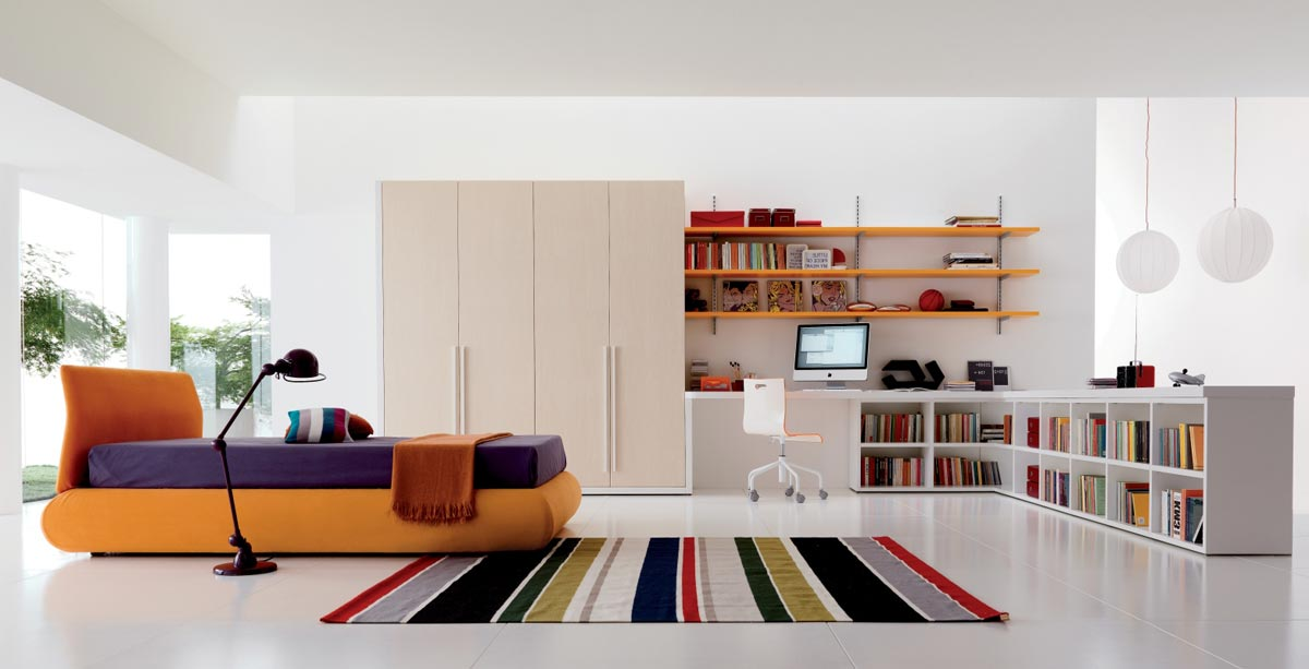 Интерьер просторной детской комнаты