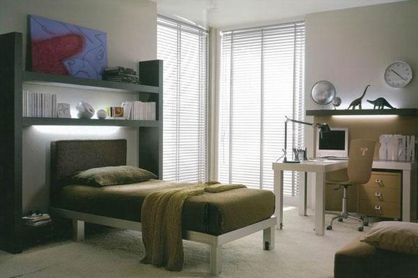 Интерьер комнаты с кроватью для подростка