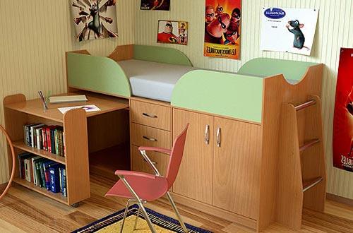 Шкаф и рабочее место для ребенка в интерьере квартиры студии