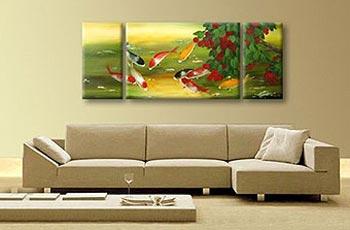 Три большие панорамные картины в гостиной