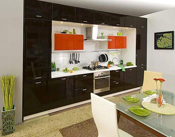 В оформлении этой кухни преобладают черные оттенки