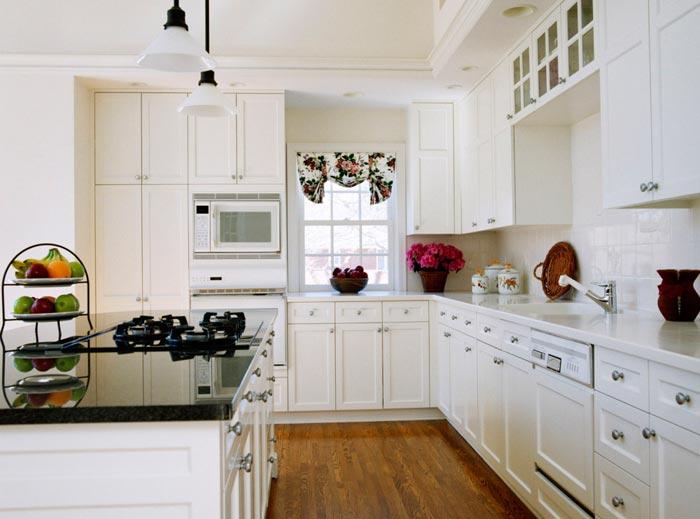 Оформления кухни в белых красках