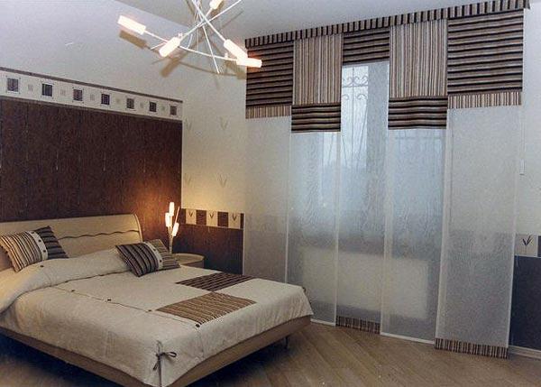 В дизайне спальни применены шторы в японском стиле