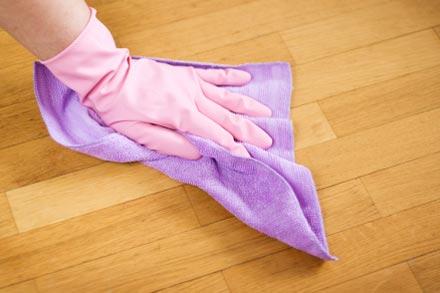 После укладки ламината его необходимо тщательно вымыть