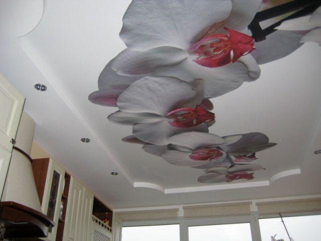 цветы на потолке, натяжной потолок, яркий потолок, необычный потолок