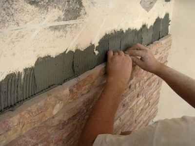 облицовка стен искусственным камнем, укладка камня, декор стен