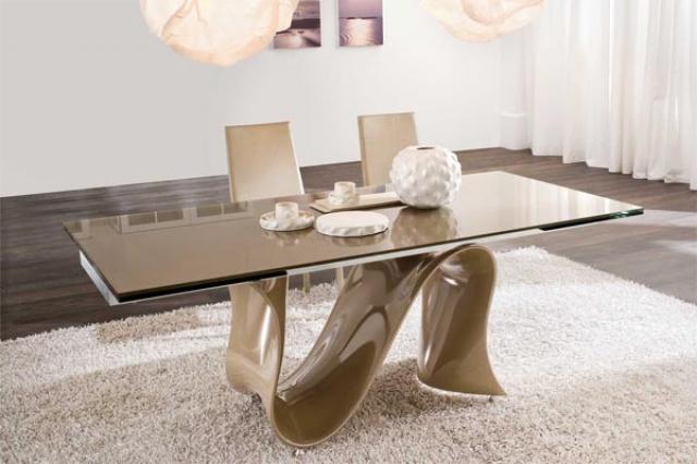 стеклянная мебель, стеклянный стол, стекло в интерьере, необычная мебель, оригинальный обеденный стол