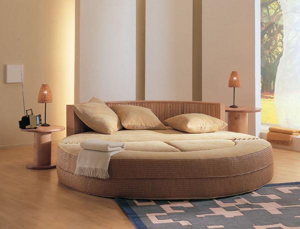 надувная мебель, надувная кровать, интересная мебель, интерьер спальни, светлая надувная мебель