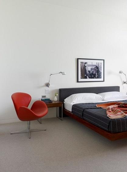 Светлая краска на стенах в спальне