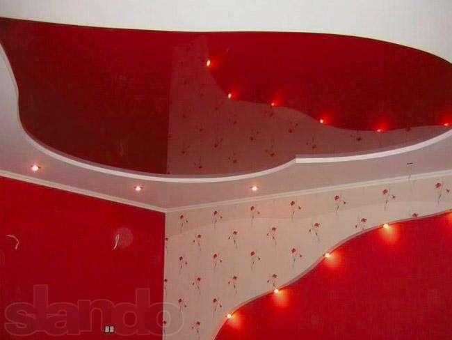 Фигурный потолок в форме сердца для спальни