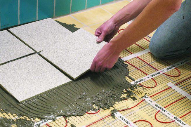 Укладка плитки поверх тёплого пола на кухне