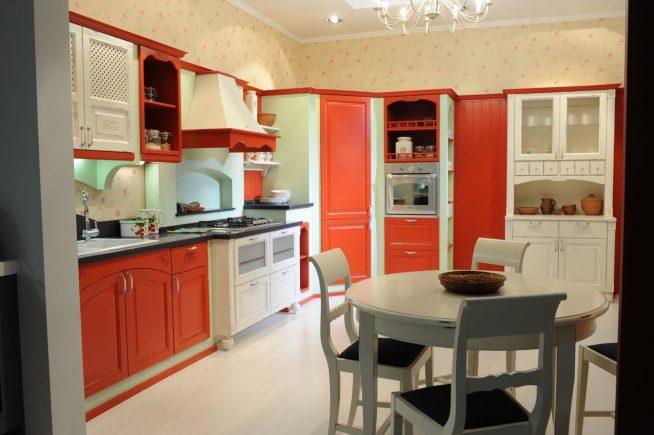 Яркая кухня в стиле винтаж