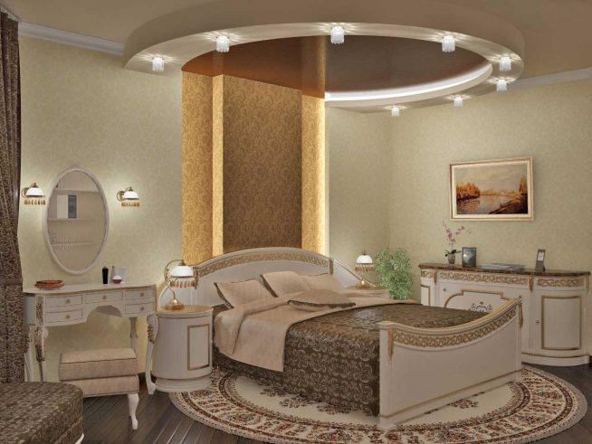 Спальня с серией точеных светильников на потолке