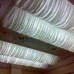 Драпировка потолка белой тканью