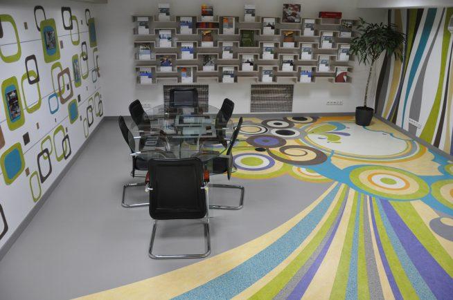 Мармолеум в офисе