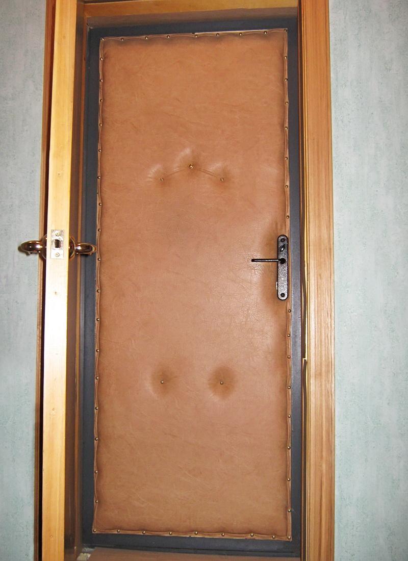 Утеплённая металлическая входная дверь