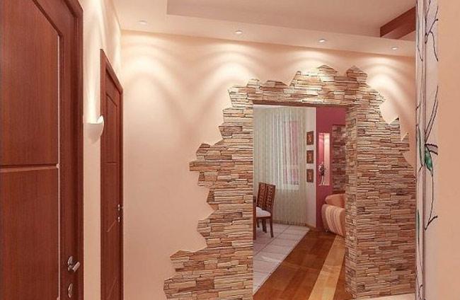 Zdobenie chodby s dekoratívnym kameňom