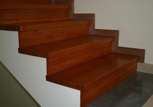 фото лестница из ламината