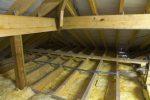 Чердак дома, утепленный потолок
