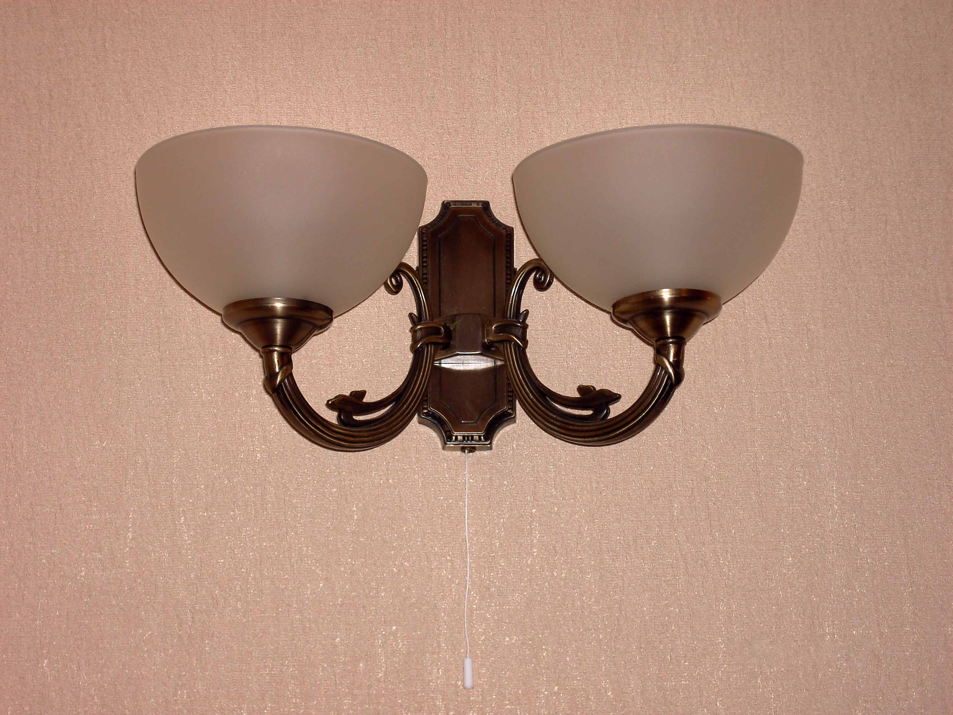Установка светильника: от проводки до выключателя