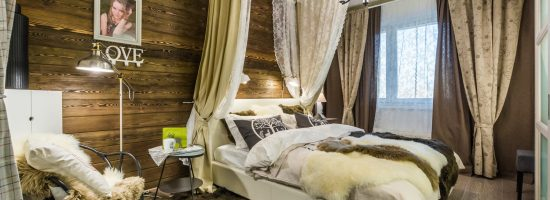 Спальня в стиле шале: уютно и просто