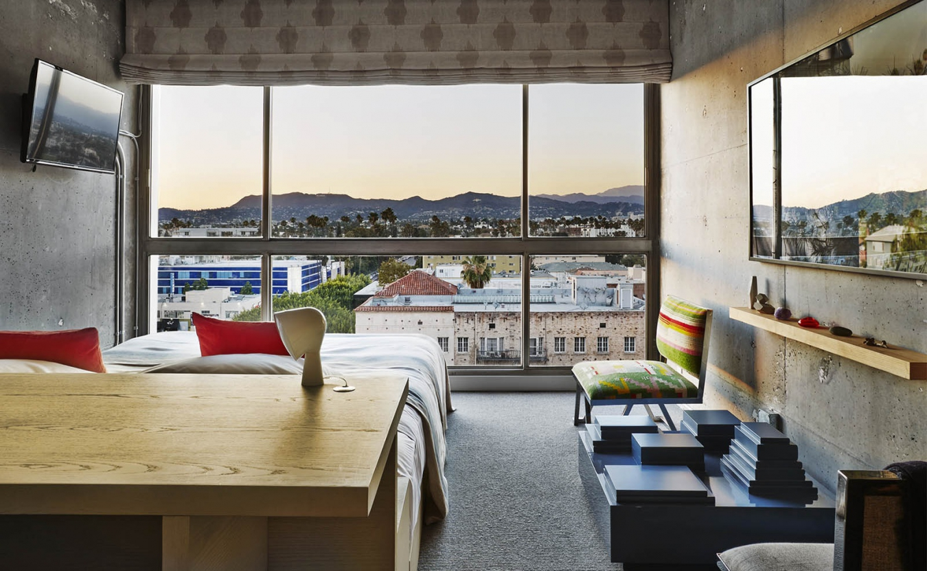 Панорамное окно в квартире: за и против
