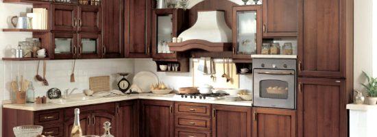 Деревянная кухонная мебель: плюсы и минусы