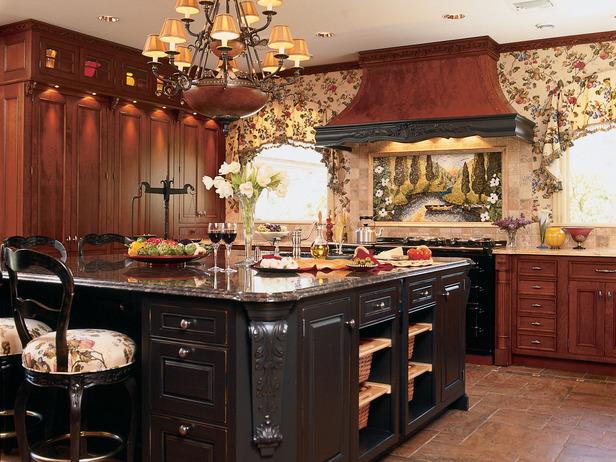 Тёмно-коричневая кухня в английском стиле кантри
