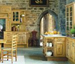 светлая кухня, сочетающая элементы этно и кантри
