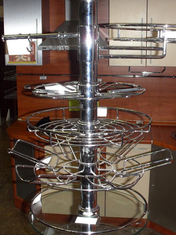 Полочки и корзинки вертикальной рейлинговой системы