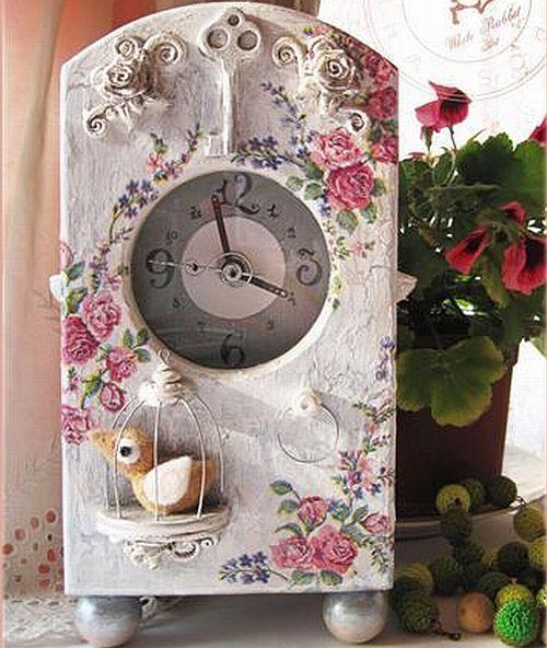 Часы в стиле шебби-шик