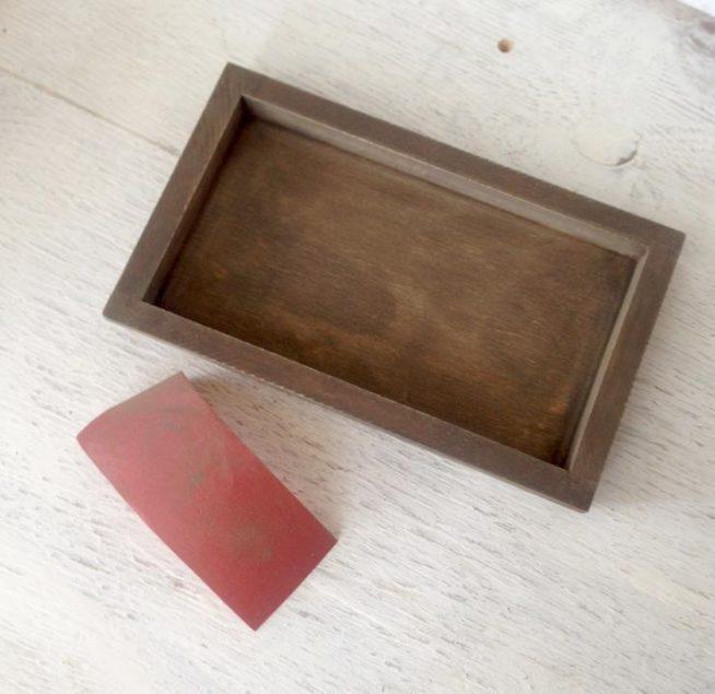 Обработка наждачной бумагой