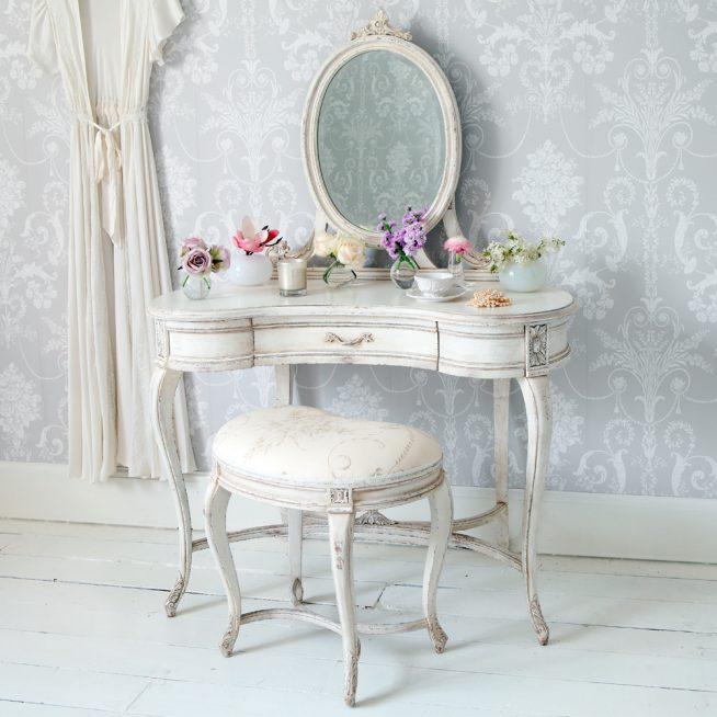Туалетный столик в стиле шебби-шик