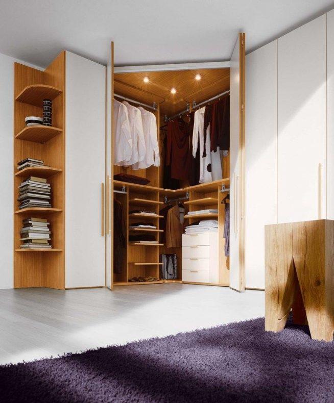 Практичная гардеробная в спальне