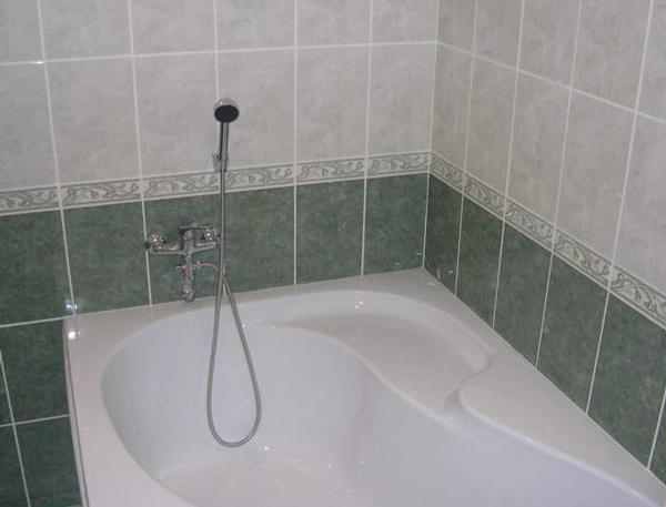 Классический стиль укладки плитки в ванной