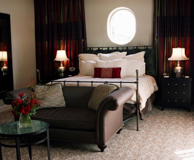 Стандартная спальная комната в квартире