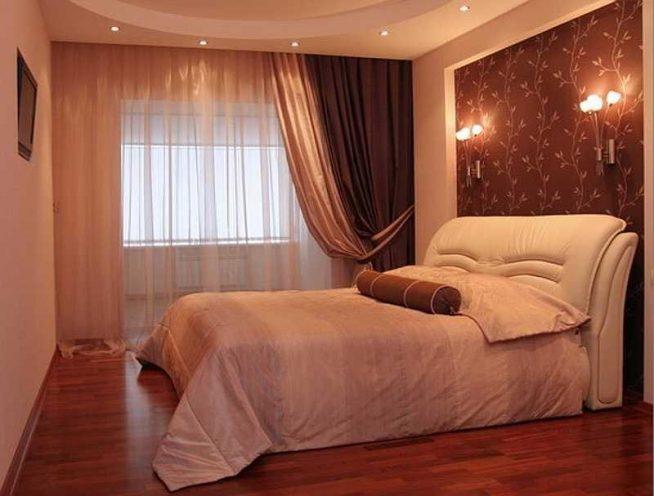 Расположение двухспальной кровати в спальне