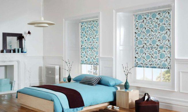 Рулонные шторы в голубых тонах