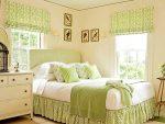 Салатовые короткие шторы